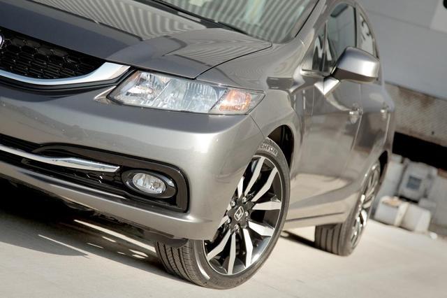 2013-Civic-Honda вид спереди