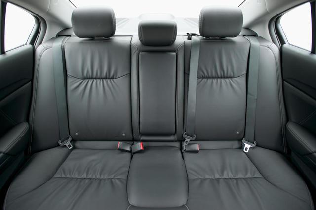 Honda-Civic 2013 задние кресла