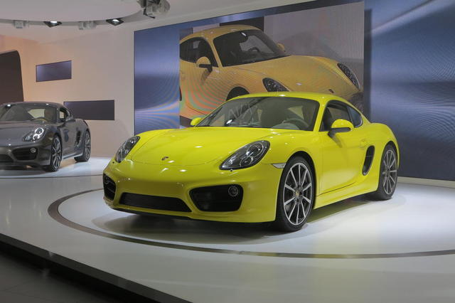 Porsche Cayman на автошоу 2012